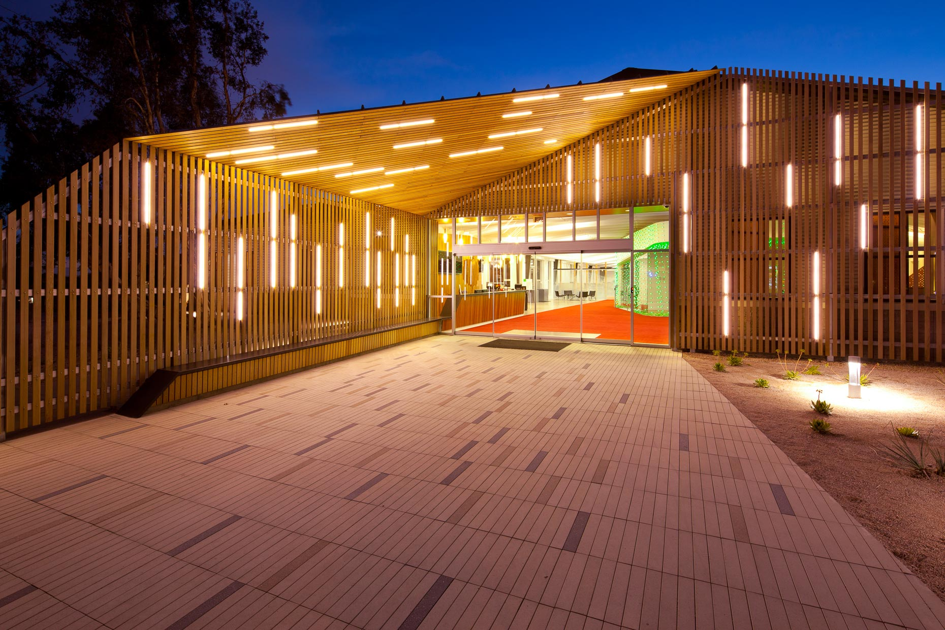Modern commercial building entrance at dusk. Claremont, California. Architecture. David Zaitz Photography.